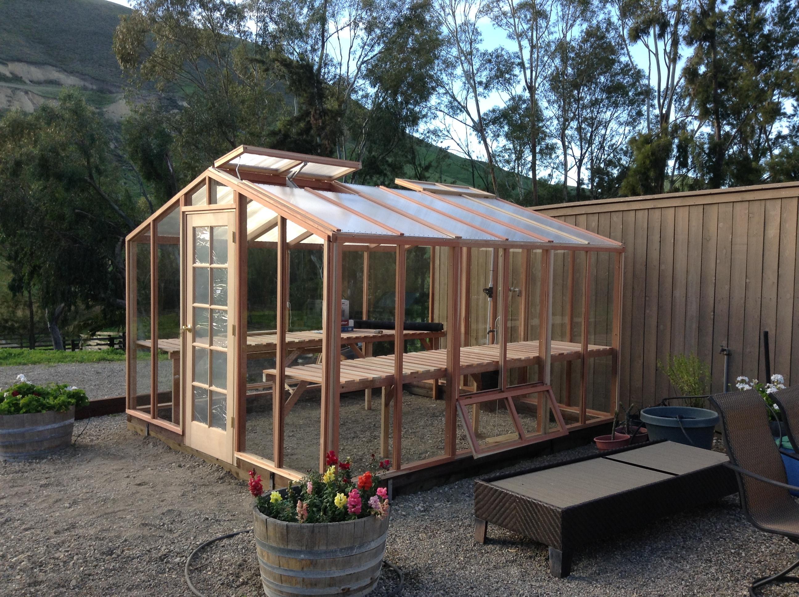 Backyard greenhouse kits 28 diy wooden greenhouse pdf diy for Apartment greenhouse kits